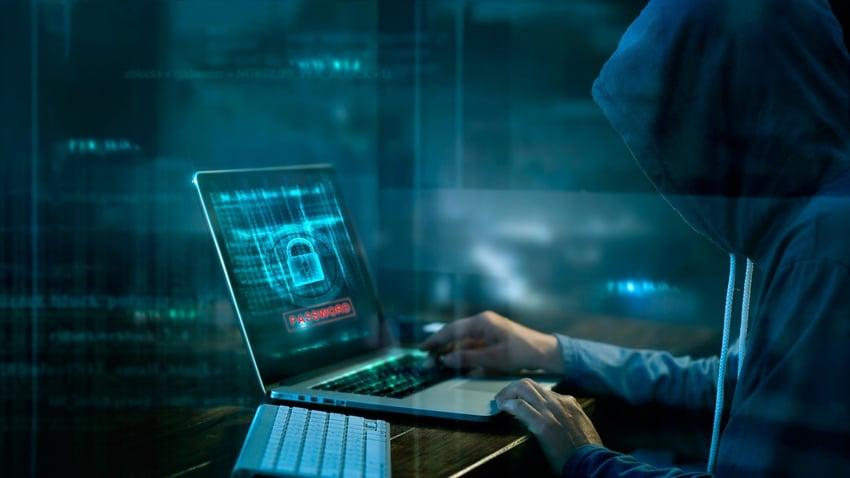 A hacker Vs. Cybersecurity